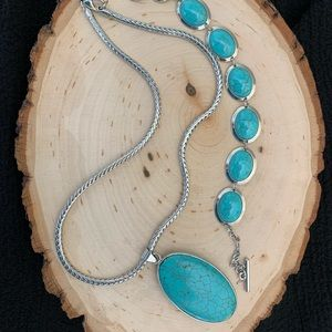 Jewelry - Turquoise teardrop medallion n silver strong chain